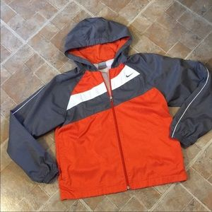 Nike small windbreaker. Perfect condition. NWT